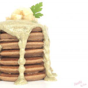 tortitas de pera con crema de almendras y mezcla de semillas